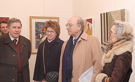 Trieste, 5 gennaio 2008 - Il segretario del Premio Aldo Pianciamore presenta la mostra alla Rettori Tribbio 2.