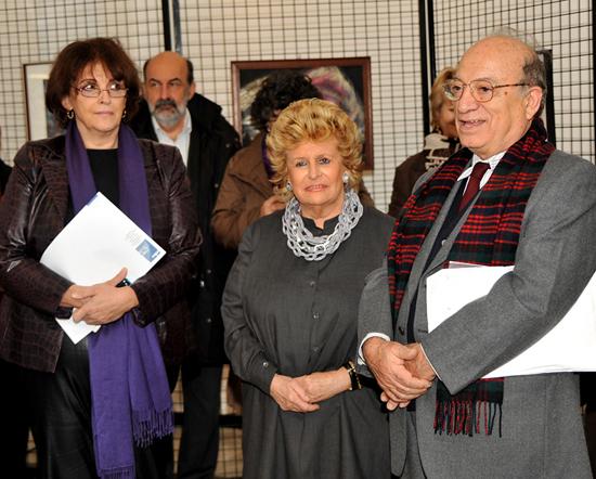 Trieste, 12 novembre 2009 - Il segretario del Premio dott. Pianciamore ringrazia i rappresentanti della comunità Greca di Trieste per l'ospitalità data al Premio di Hazel ed alla mostra. (Foto Micol)
