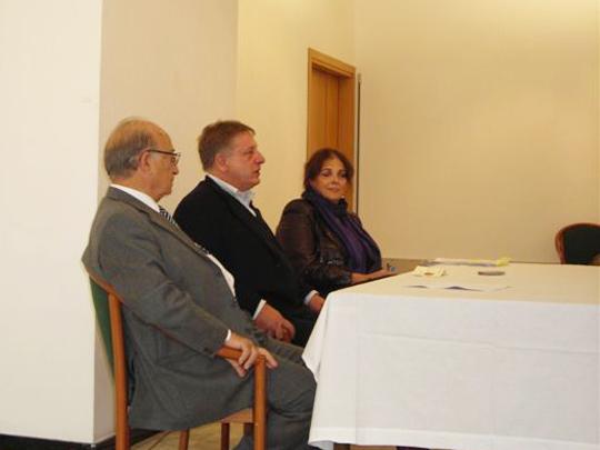 Trieste, 22 ottobre 2011 - L'assessore Mariani tra Pianciamore e Accerboni alla presentazione della 12° edizione della mostra.