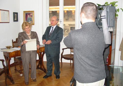 La presidente signora Carignani ed il segretario dott. Pianciamore durante la prolusione alla consegna dei premi