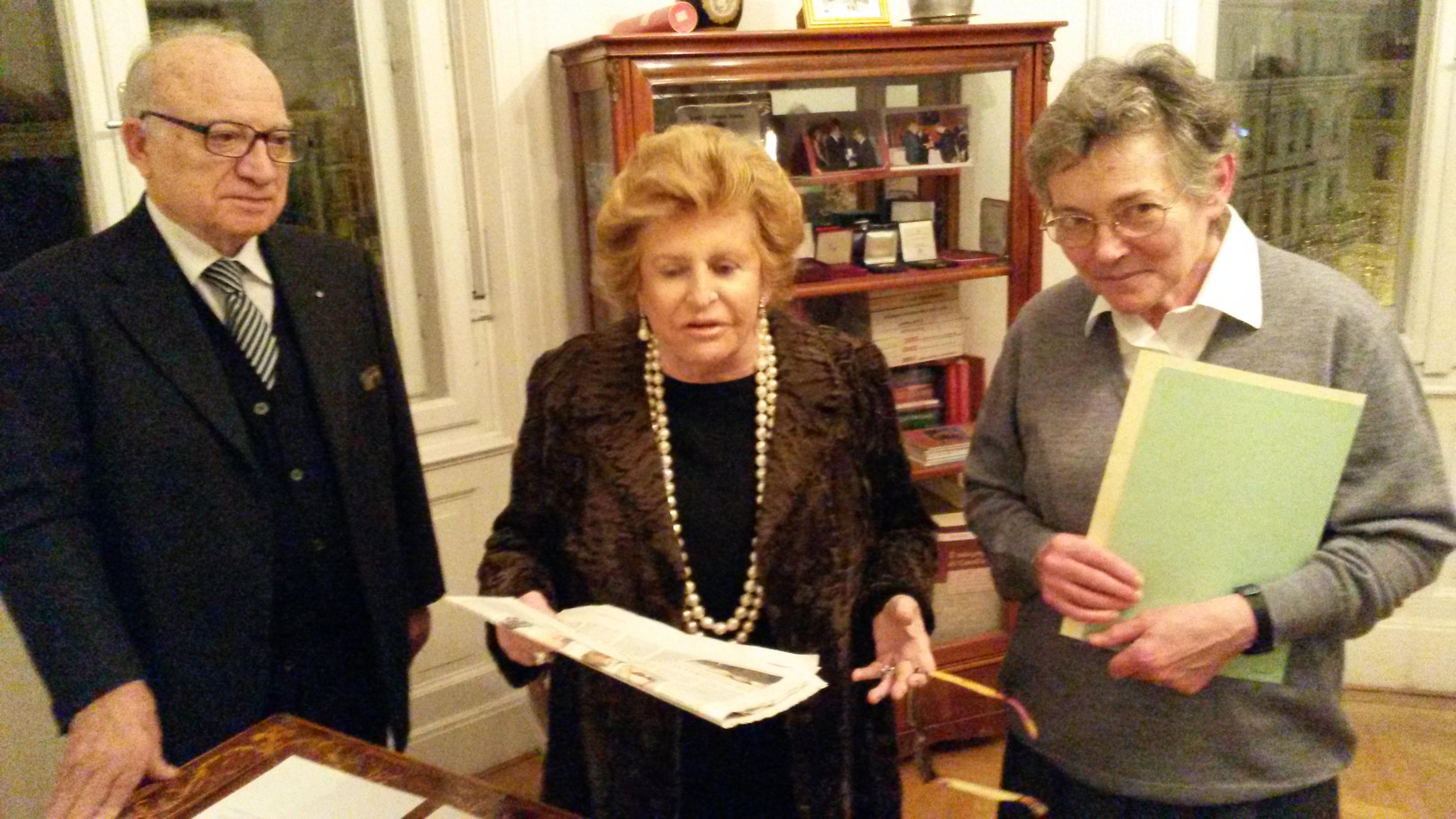 Suor Anna Paola Invernizzi ritira il suo premio