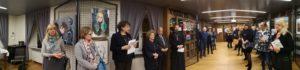 Una bella affluenza di persone mentre ascoltano il discorso della Presidente Etta Carignani