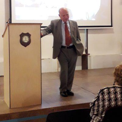 Il Segretario del Premio alla Bontà, dott.G.Pianciamore durante il suo discorso